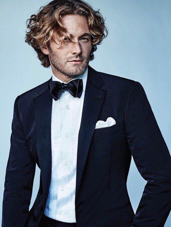 布拉德柯羅尼格目前主要還是以拍攝雜誌、擔任香奈兒時裝秀男模為主。圖/摘自IG