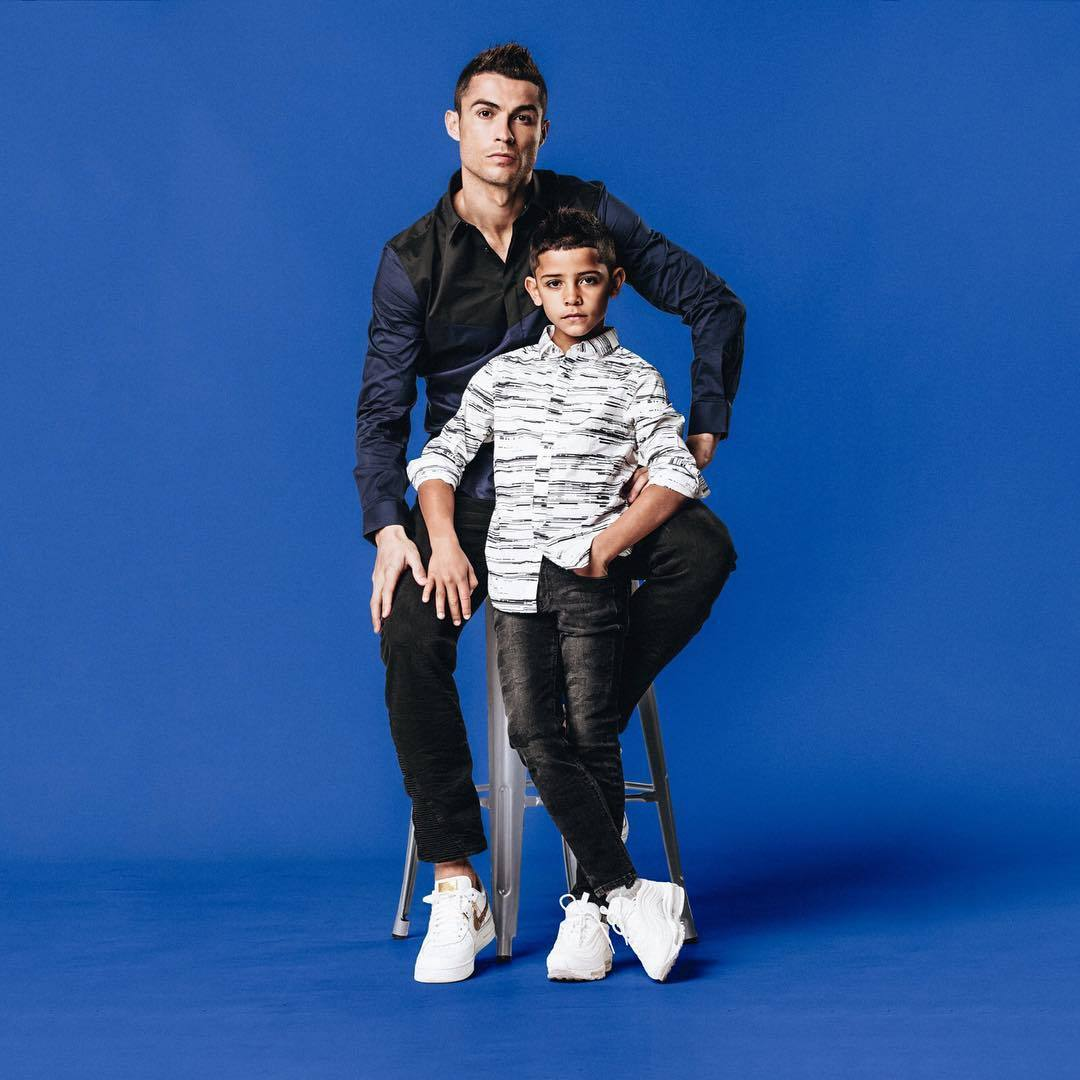 C羅與兒子。圖/摘自IG