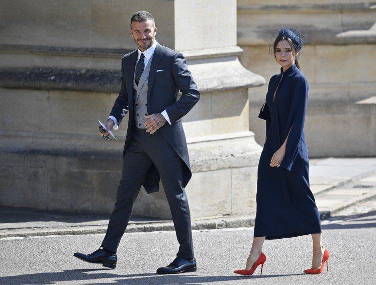 貝克漢與英國皇室友好,經常可以看到他與太太受邀參與皇室活動,大秀正裝穿搭。(美聯...