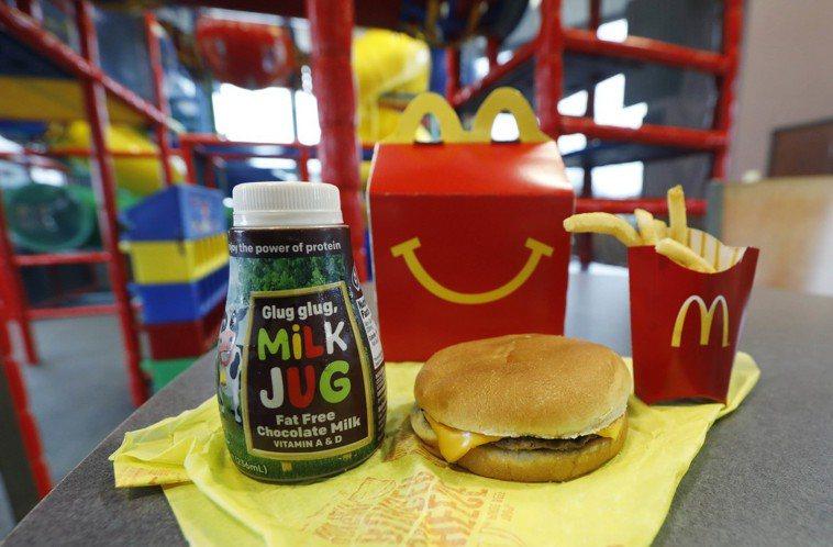 英國廣告標準局(ASA)去年裁定連鎖速食店麥當勞可以在兒童電視節目播放快樂兒童餐...