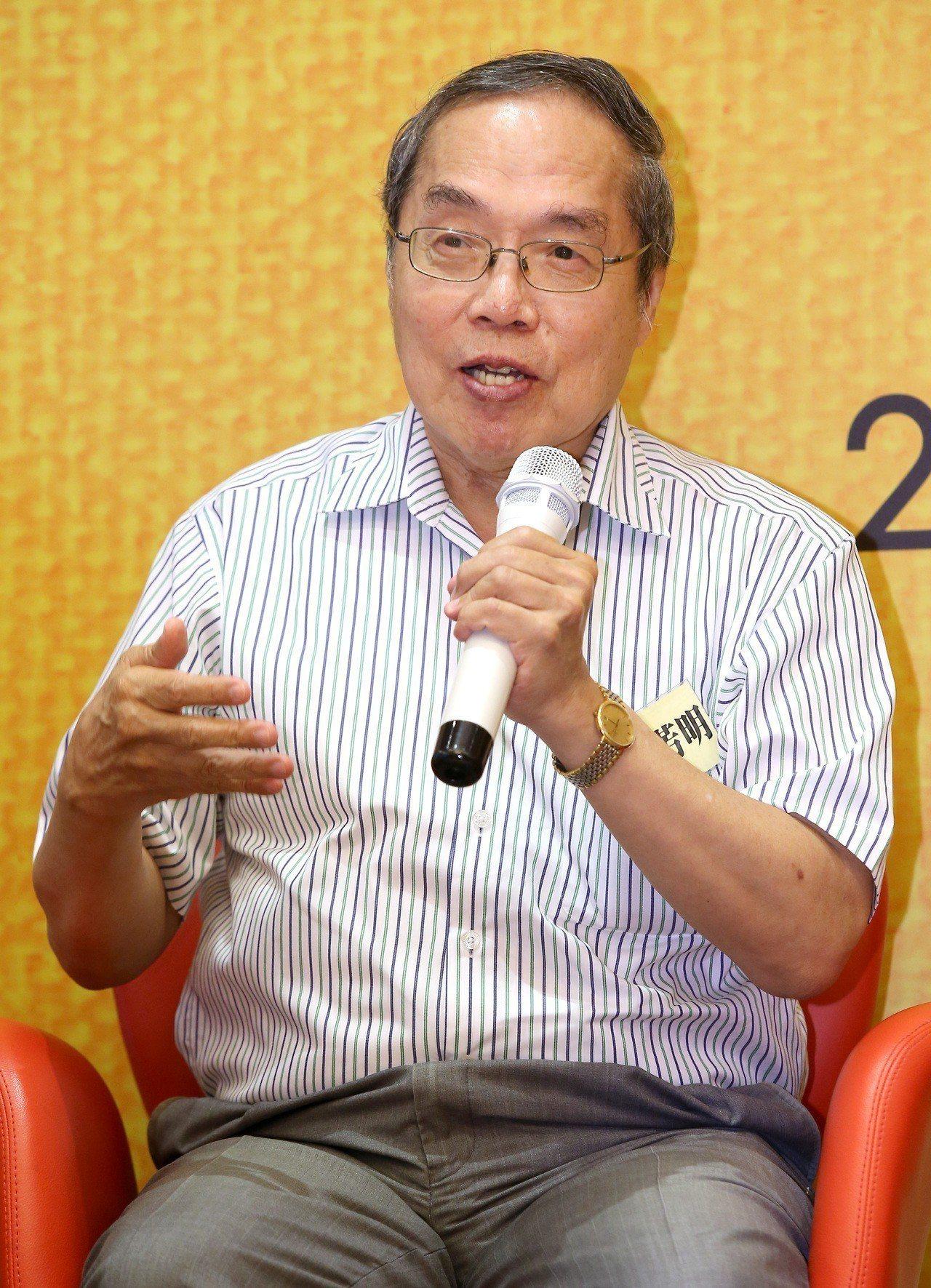 作家陳芳明在臉書上表示,民進黨搖身一變變成列寧式政黨,好可怕。聯合報系資料照