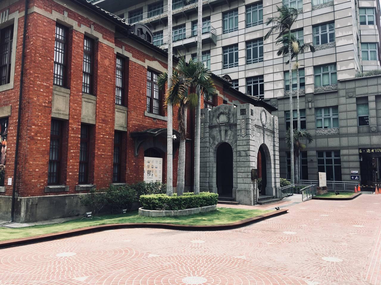新竹市美術館(如圖)及文化局演藝廳獲文化部核定補助5200萬元。照片/市府提供