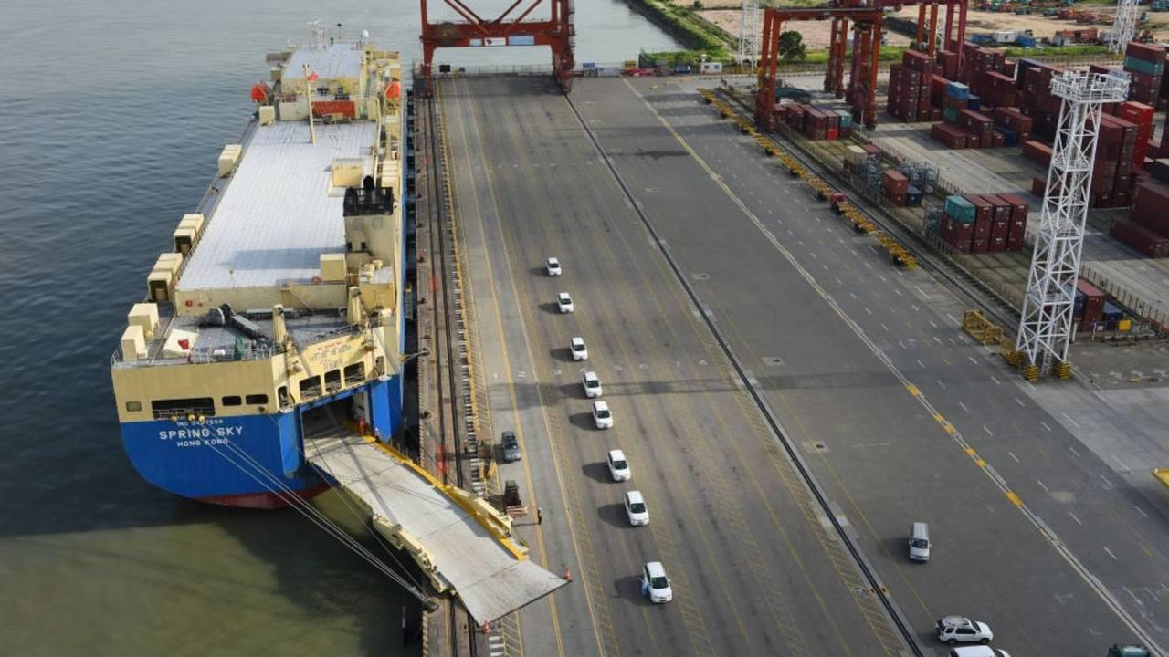 在中美貿易戰升溫之際,7月份中國出口增速超出預期。(取自網路)