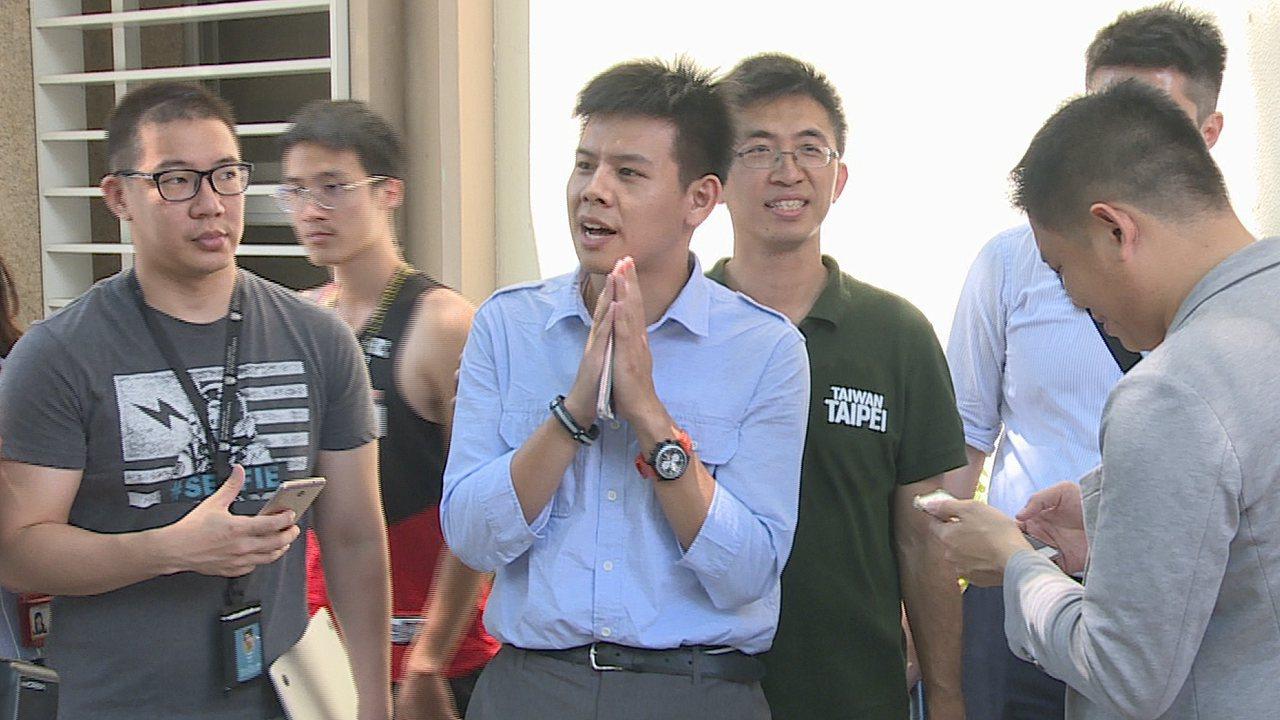 姚文智陣營發言人洪立齊出面發表3點聲明,相信高嘉瑜不是一個非常投機的人。攝影/記...