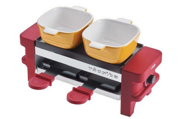 迷你煎烤盤隨附兩個小烤盅,用來加熱、保溫食材都很方便。圖/丞閈企業提供