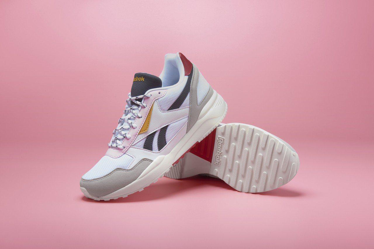 Reebok Royal Bridge 2.0系列鞋,約2,250元。圖/Ree...