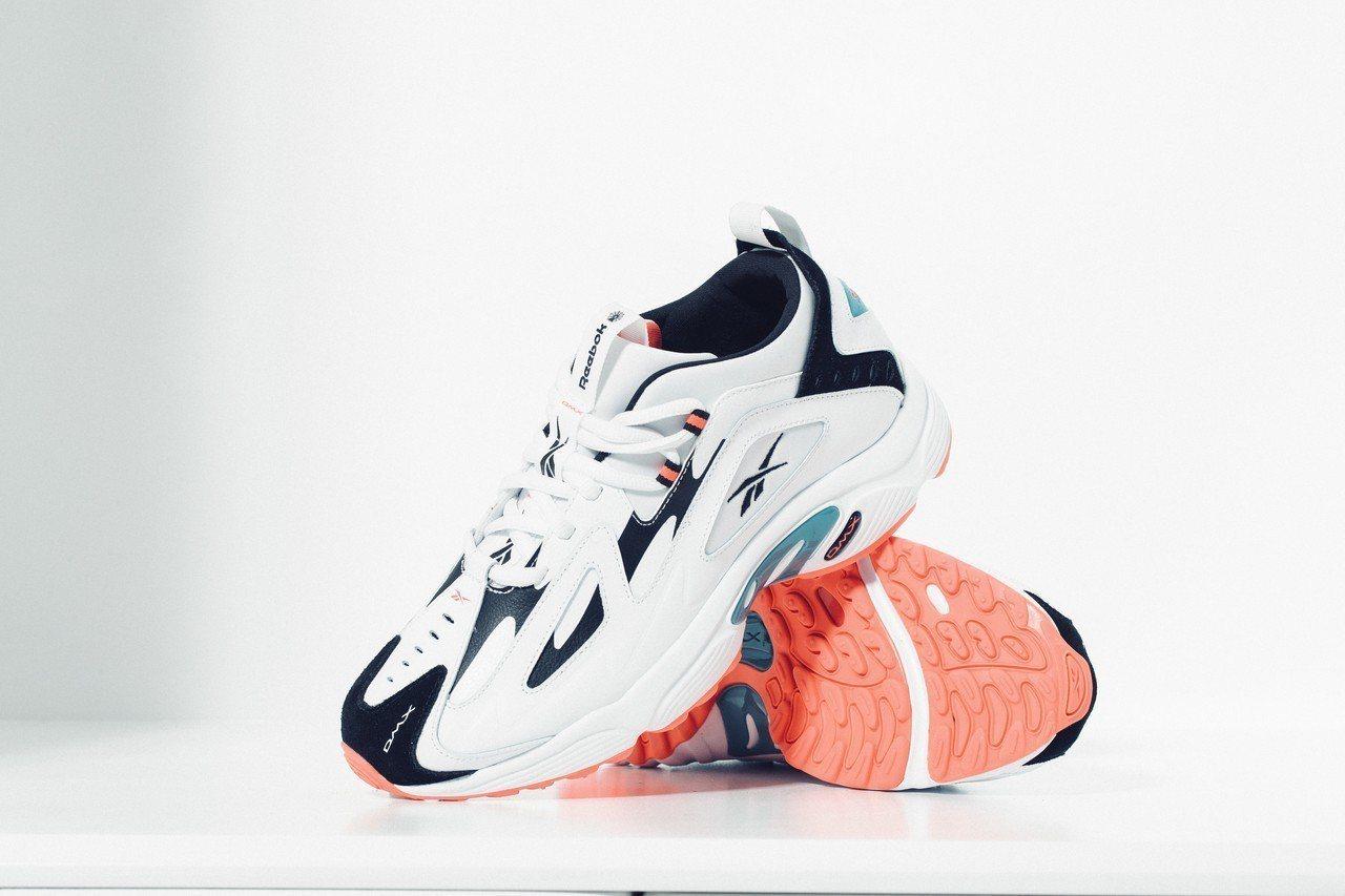 Reebok DMX Series 1200系列鞋,約3,250元。圖/Reeb...