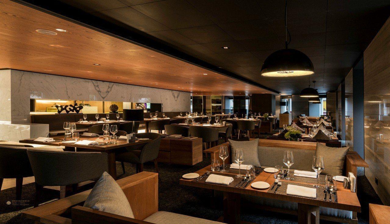 慕軒飯店2樓的GUSTOSO義大利餐廳在8月17日七夕情人節這天,特別獻上主廚精...