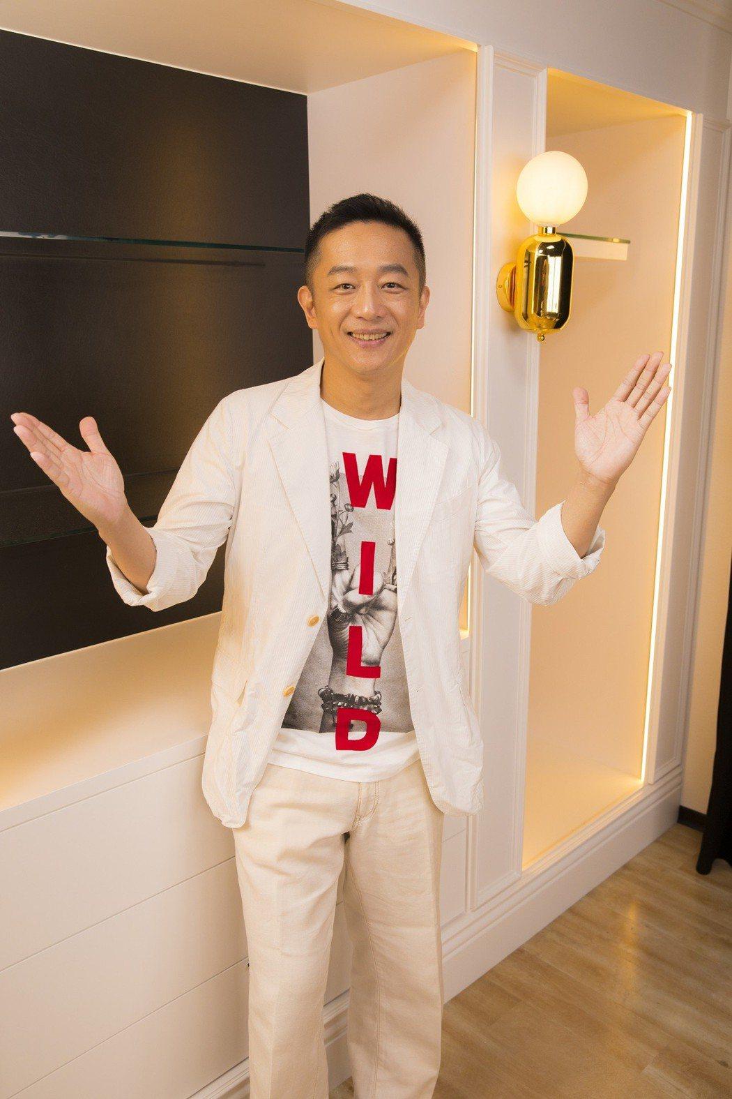 陳昭榮目前是直播界的一哥,經營直播事業有聲有色。圖/翰成直播購物提供