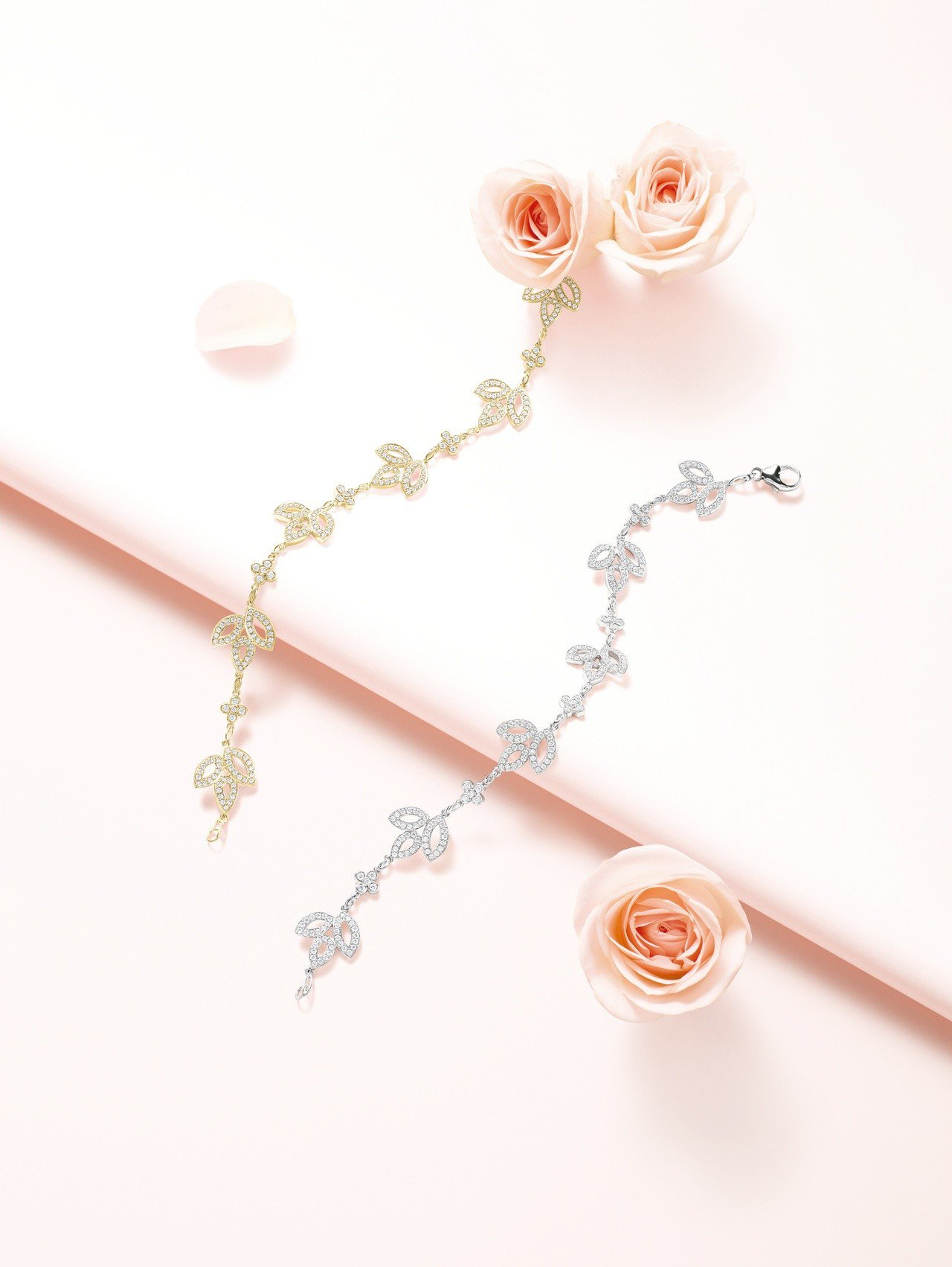 海瑞溫斯頓Lily Cluster鑽石黃金手鍊及鑽石鉑金手鍊。圖/Harry W...