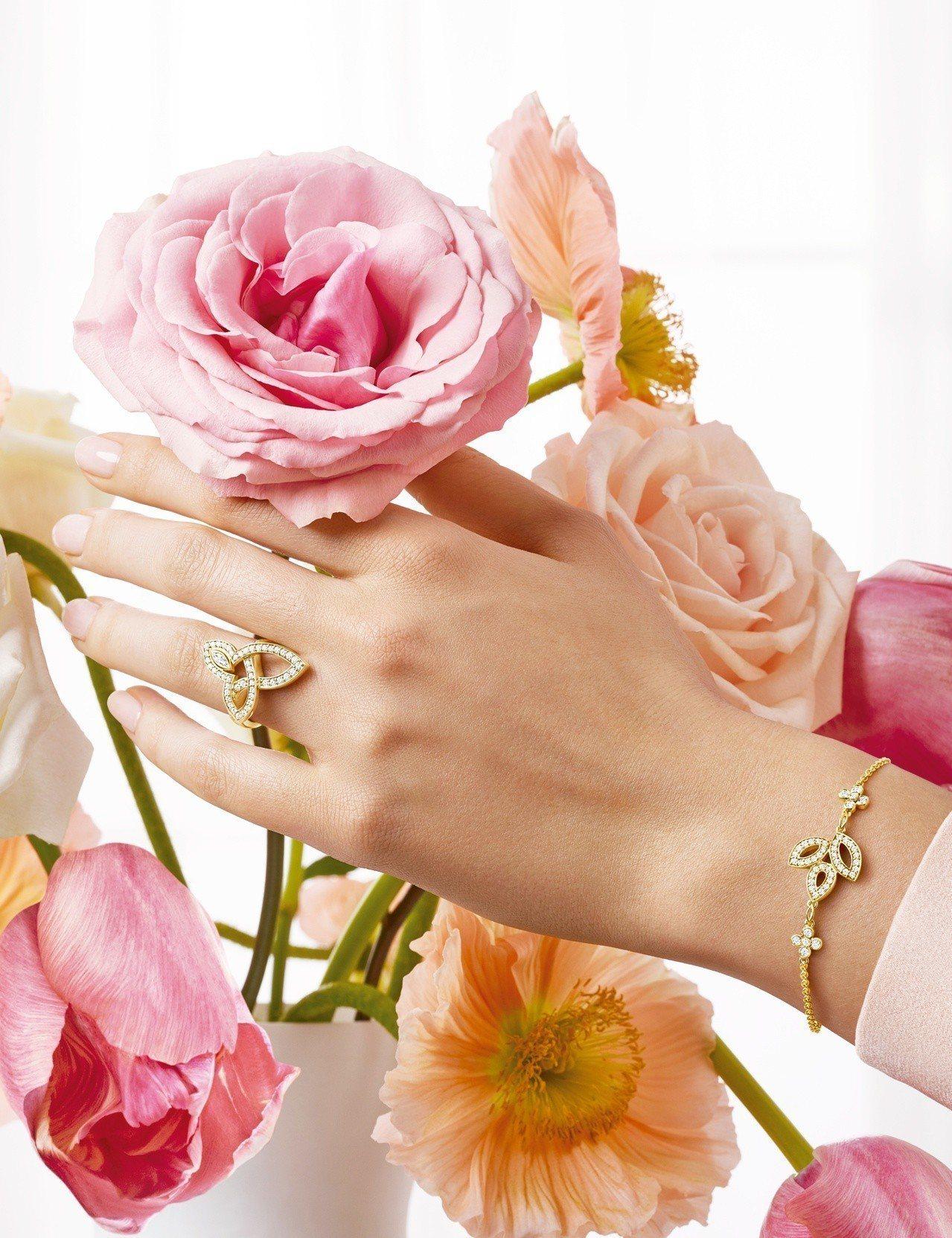 海瑞溫斯頓 Lily Cluster鑽石黃金手鍊及鑽石黃金戒指。圖/Harry ...