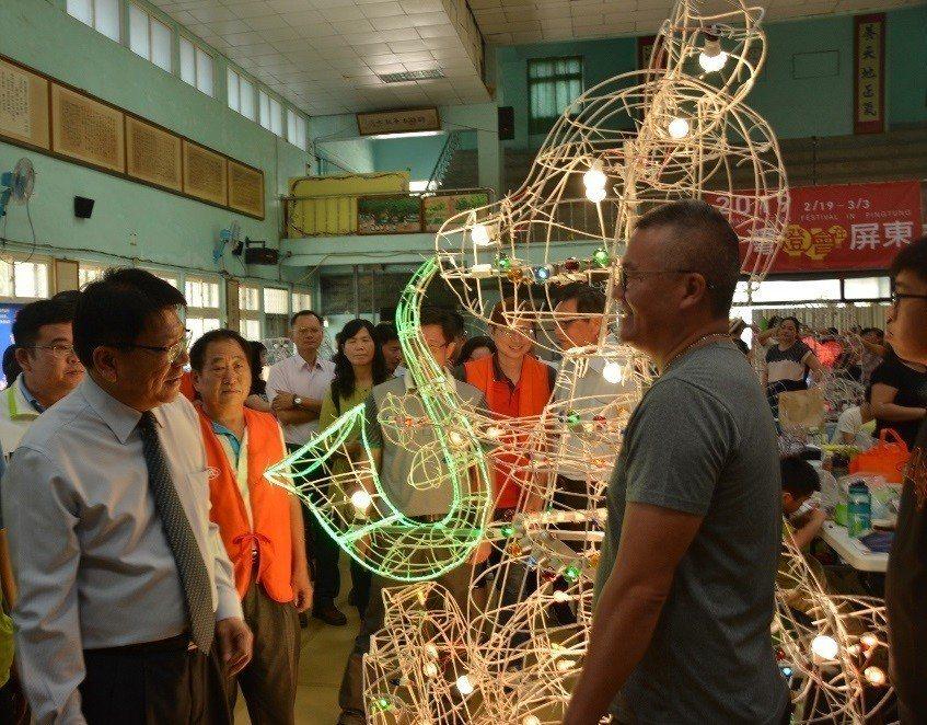 2019台灣燈會將在屏東舉行,縣府最近還連續舉辦多場花燈製作研習,積極籌備明年的...