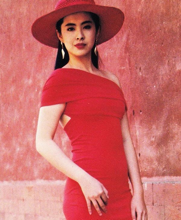 王祖賢到北京故宮拍電視廣告,造型美麗。圖/摘自搜狐
