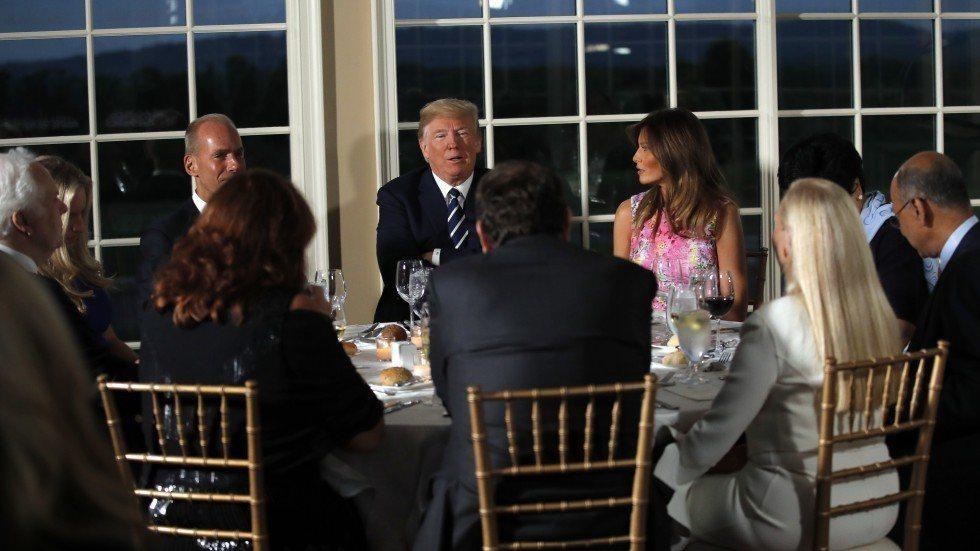 川普在7日晚�g宴�多位美企�绦虚L。美�社