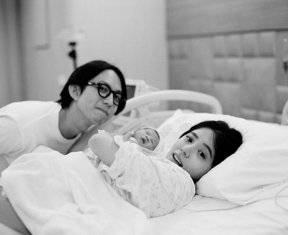 林宥嘉和丁文琪日前喜迎兒子「酷比」。圖/摘自臉書