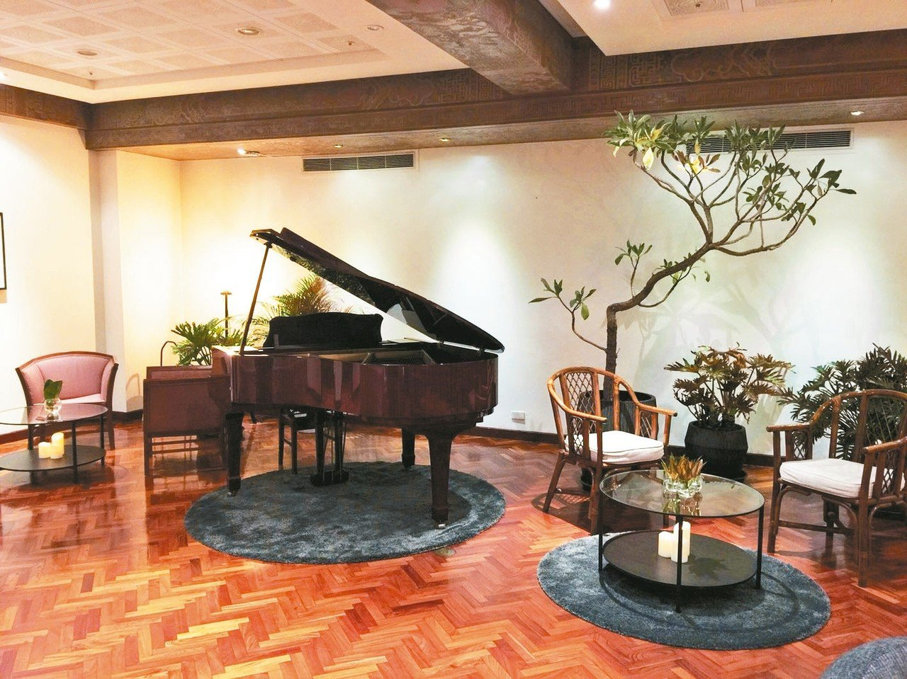 高雄圓山的總統套房,變身秘境咖啡館。 記者羅建怡/攝影