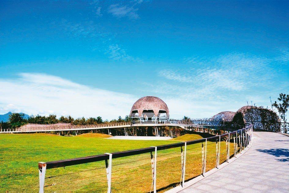 台東市知名旅遊景點國際地標今天起至12月10日止,將「封館」整修,不再對外開放。...