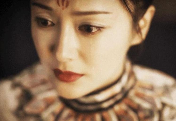 瓊瑤曾給予秦嵐「秦嵐一滴淚,天上一顆星」的美譽。圖/摘自微博