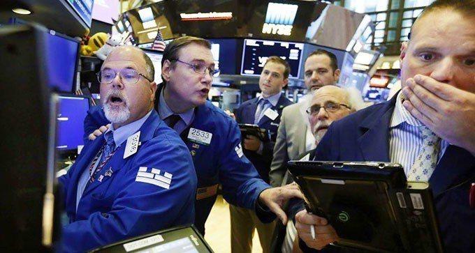 華盛頓和北京相繼宣布開始加徵關稅的具體日期,美國股市周三開盤即走低。  美聯社