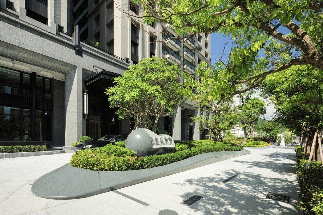 皇苑建設「御寶」為高雄美術館區零店面高品質豪宅。 圖片提供/皇苑建設