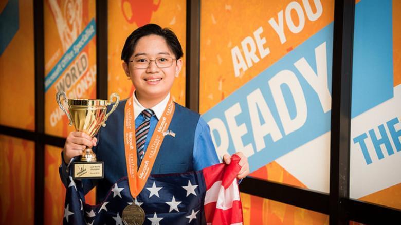15歲的凱文(Kevin Dimaculangan)在微軟舉辦的軟體競賽中,一舉...