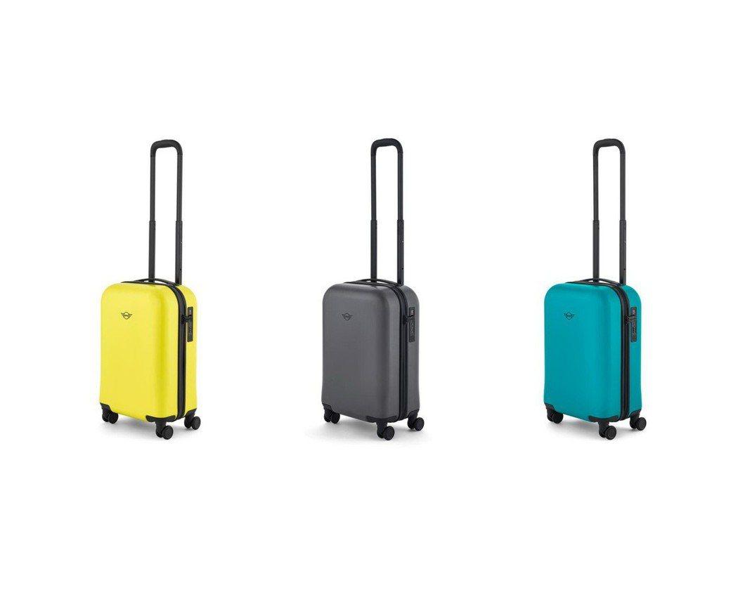 MINI原廠精品登機箱(以展示中心公佈之贈品款式與顏色為準)。 圖/汎德提供