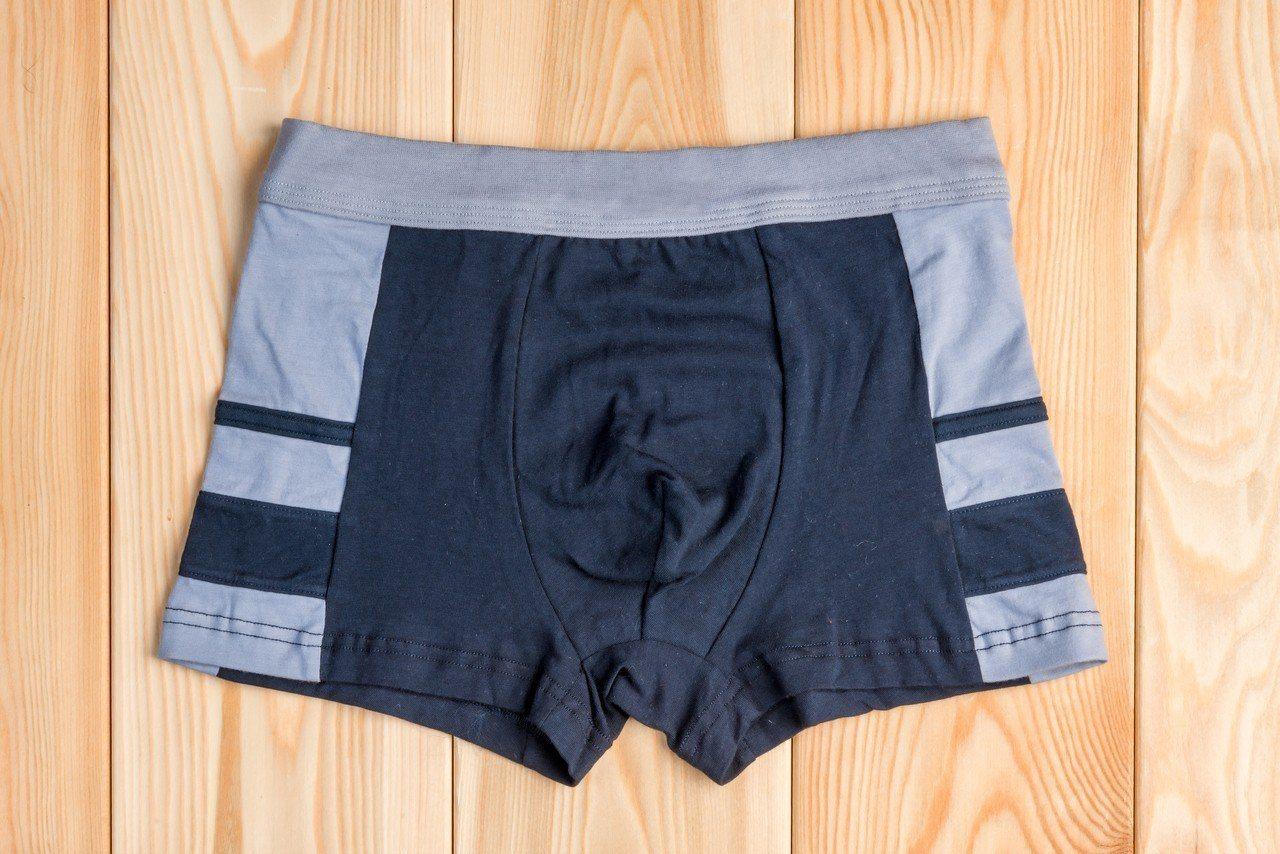 研究顯示,內褲的種類會影響男性的精子品質。經常穿三角褲的男性,其精子活躍度會比常...