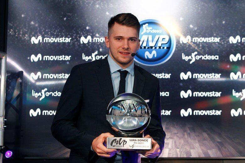 選秀探花唐西奇在今年的歐洲籃球聯賽獲選最有價值球員,擁有全能的身手和實戰能力,他...