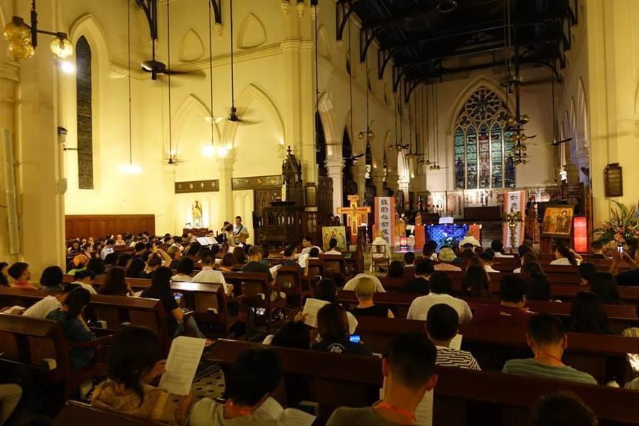 來自超過40個國家、2000多名的朝聖者聚首香港,於天主教聖母無原罪主教座堂及聖...