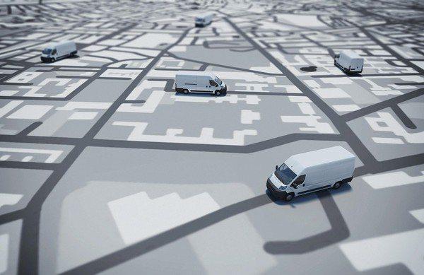 圖2 : 車機的功能就如同資料搜集器,彙總、存放每一部車輛的行車資訊,讓系統可以...