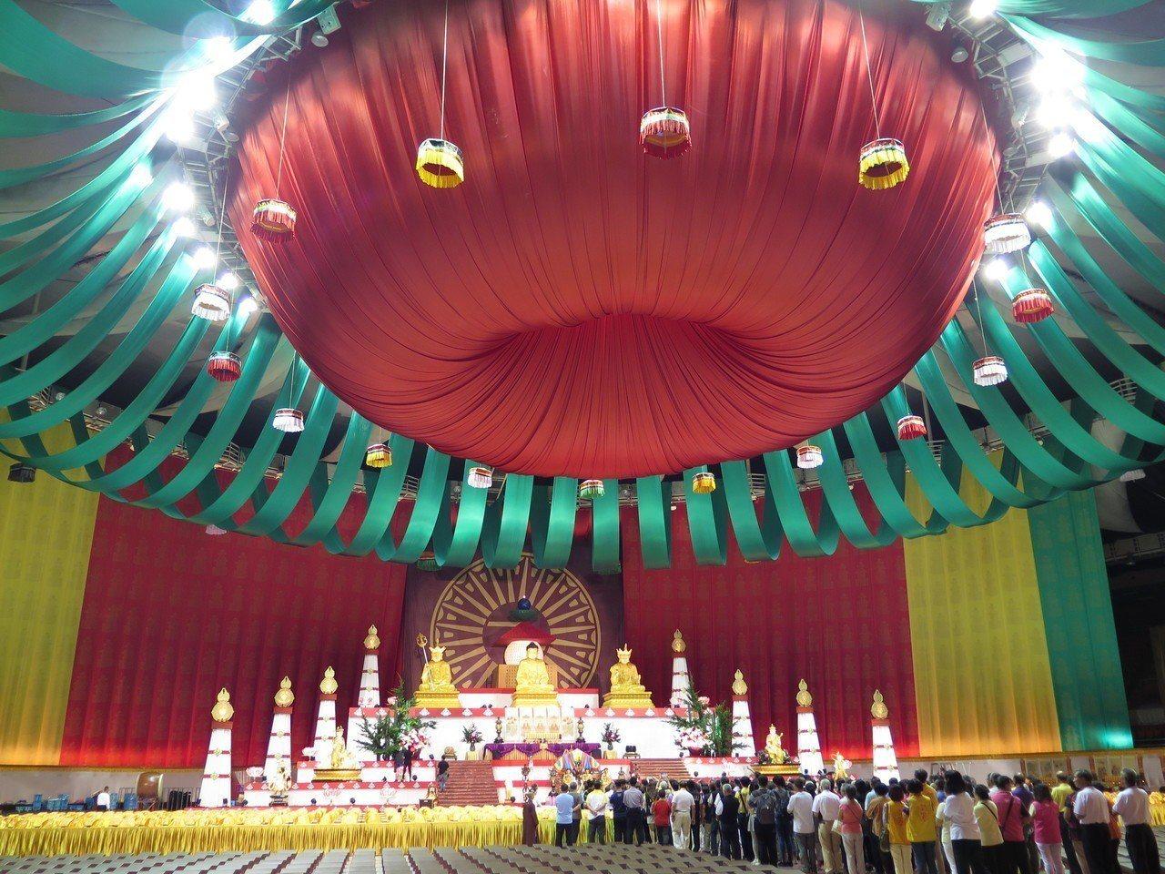 靈鷲山第25屆水陸空大法會暨生命和平音樂會在桃園巨蛋啟建,邀來200多位跨宗教、...