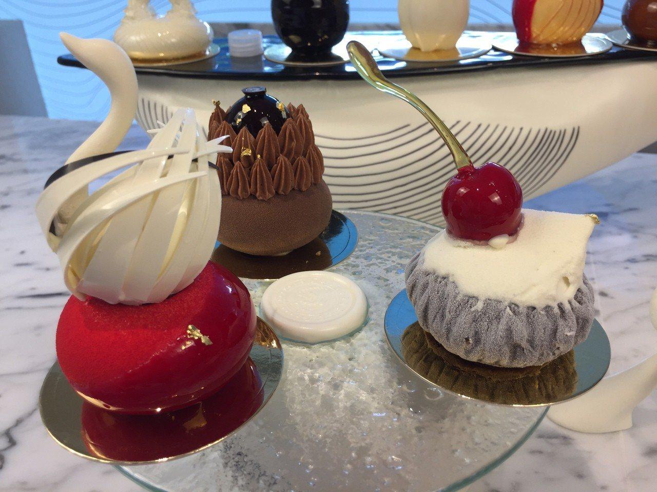 「L.Z. DESSART」無框架甜點店自開幕以來,許多美麗的甜點一推出,總是被...