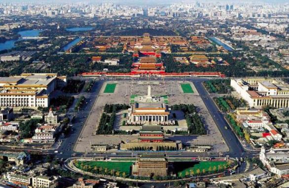 北京中軸線,是世界上現存最長城市中軸線,將申遺。在天安門廣場的毛澤東紀代堂也包含...