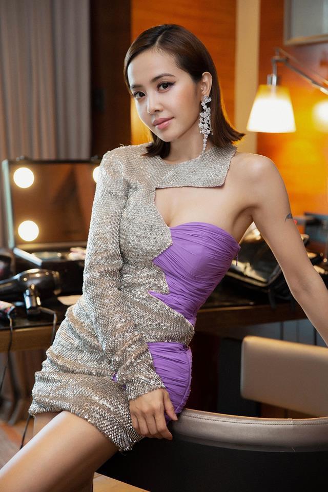 蔡依林身穿愛牌Moschino秋冬的洋裝現身。圖/摘自臉書