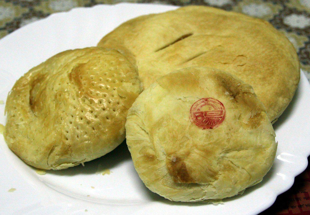 太陽餅、老婆餅與奶油酥餅原料相似,消費者常搞不清楚。記者林敬家/攝影