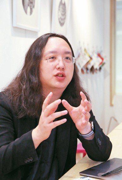 政務委員唐鳳表示,從今年起,行政院及12個相關部會,將在5年內投入88億元,協助...