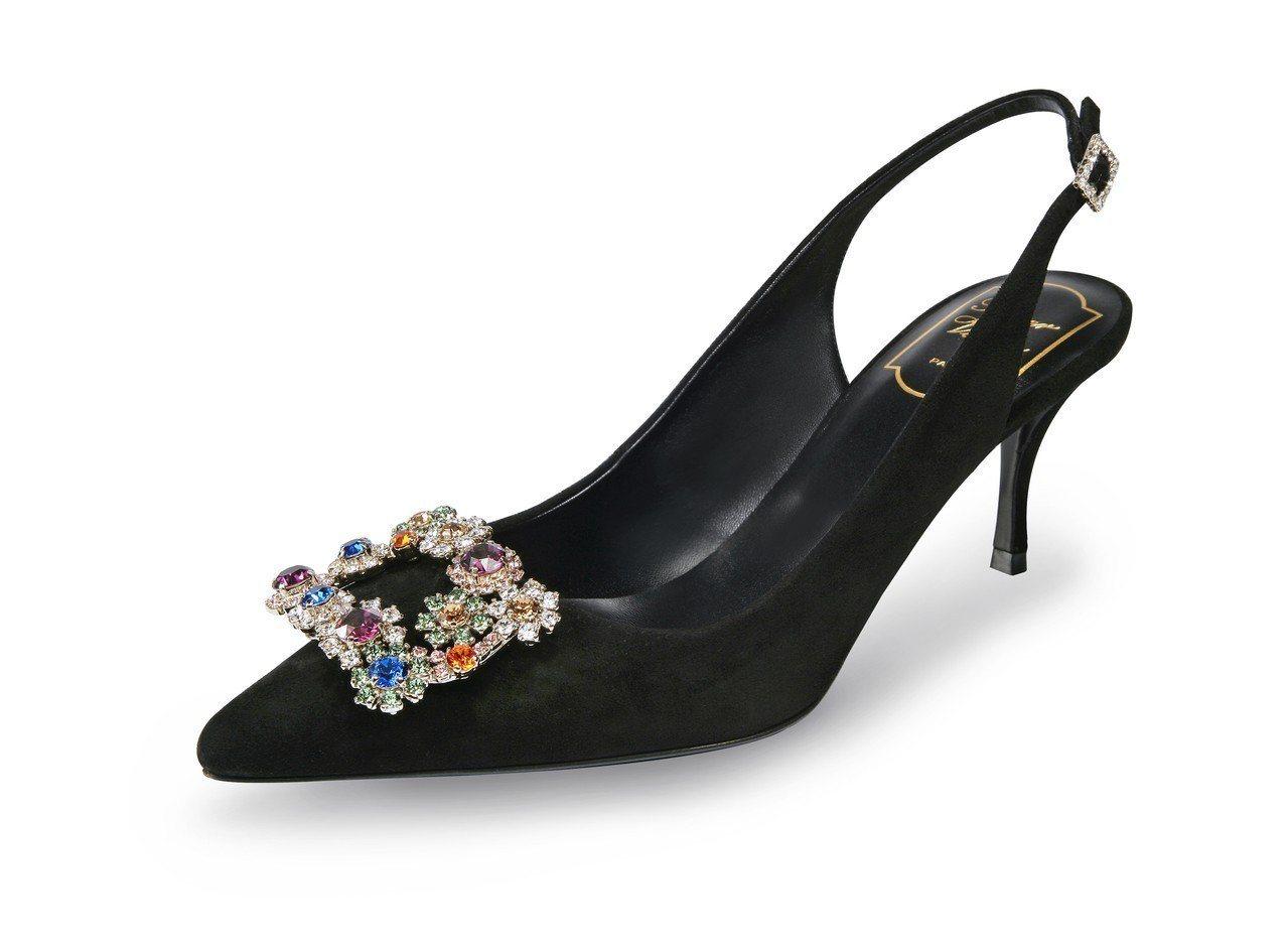 林心如活動上穿的花鑽扣飾高跟鞋,65,200元。圖/Roger Vivier提供