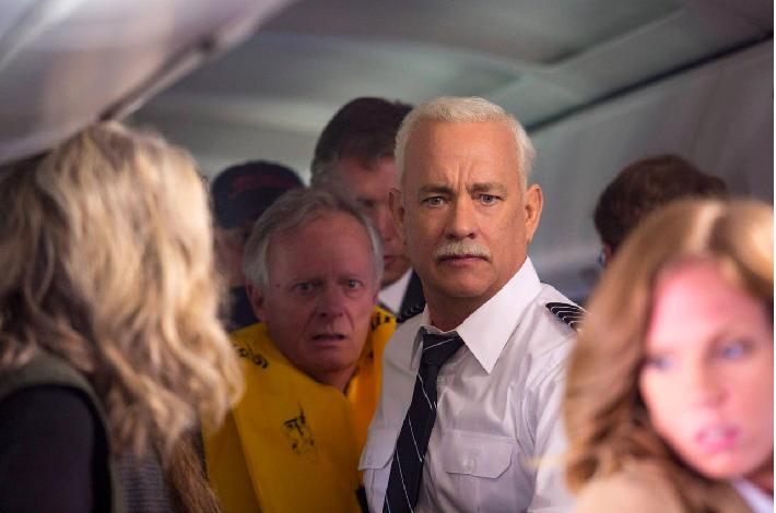 好萊塢電影「薩利機長:哈德遜奇蹟」,是由真人真事改編,講述機長指揮下安全迫降的故...