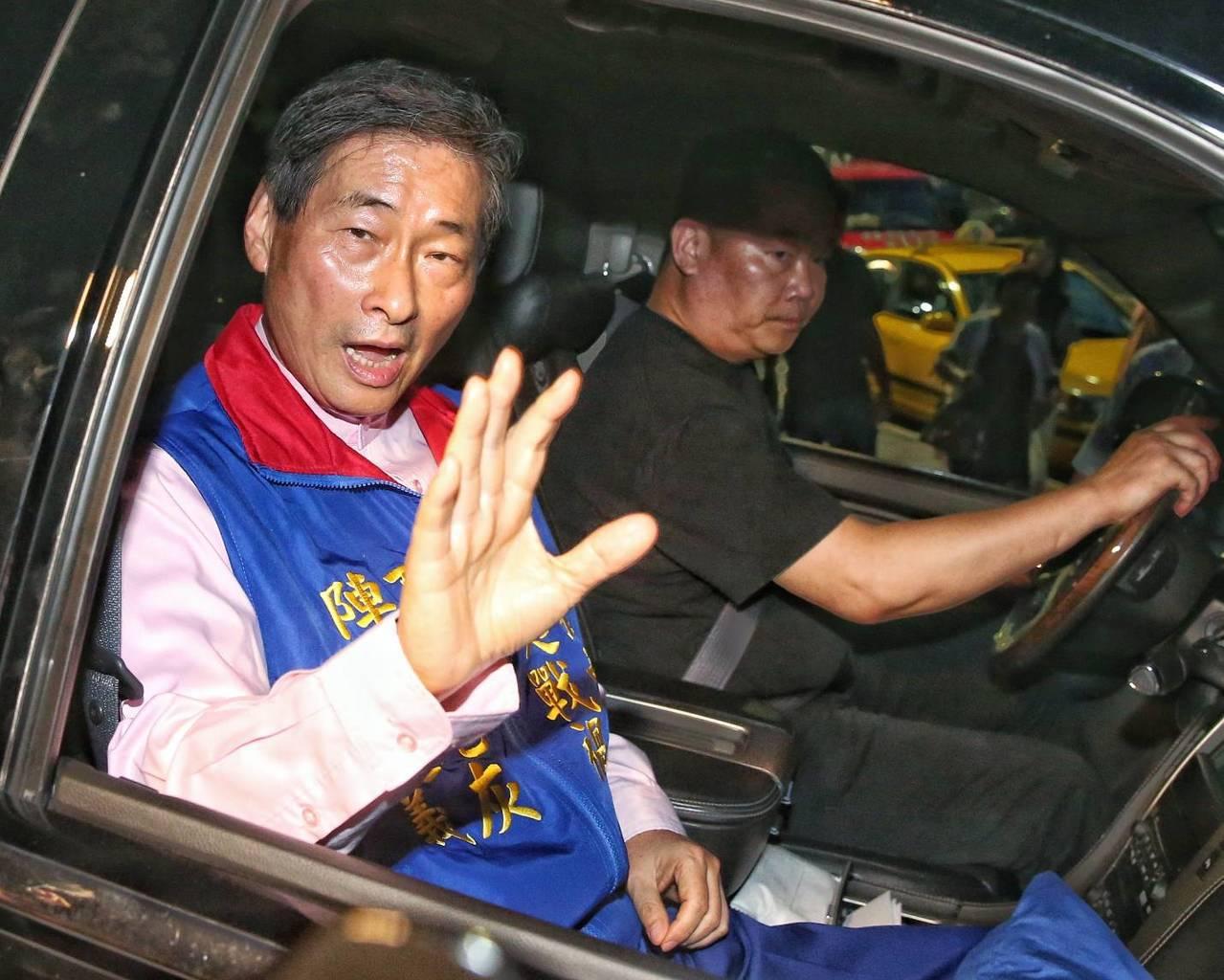 中華統一促進黨總裁張安樂訊後獲請回。記者鄭清元/攝影。