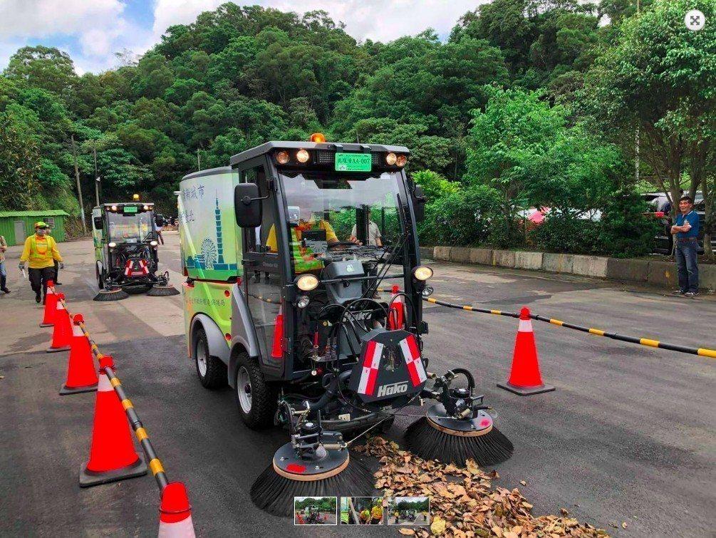 台北市政府環保局添購小型掃街車,卻遭市議員質疑,市府購置的類型屬於柴油車,製造大...