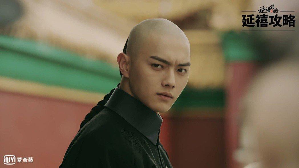 許凱飾演的「富察傅恆」爆紅。圖/愛奇藝台灣站提供