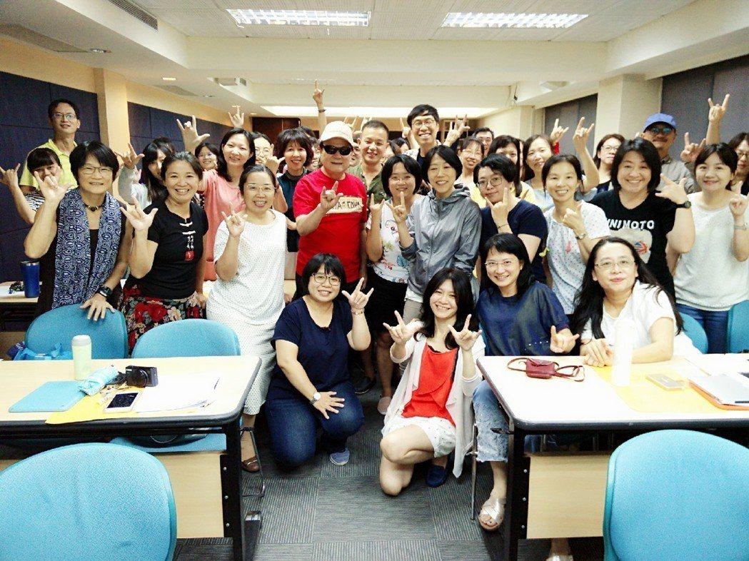 劉福助9日擔任化部舉辦「流行音樂輔助教材」教師培訓營講師。圖/詠聯文創提供