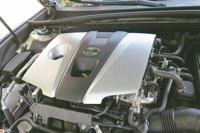 新增一具兼顧高動力輸出與優異耗能的2.5升引擎,滿足車主動力需求。 圖/陳志光