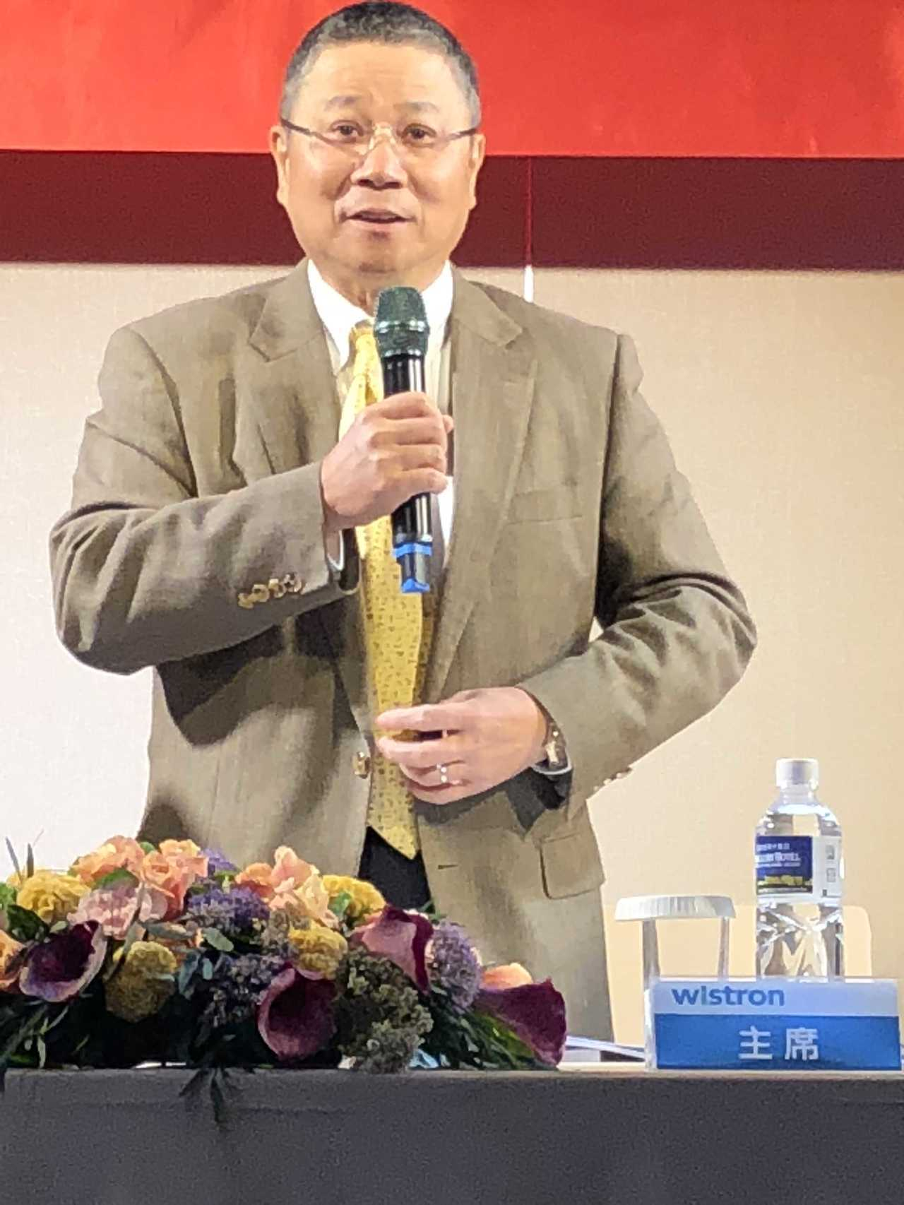代工廠緯創7月營收663.55億元,業績呈現持穩狀態。圖為緯創董事長林憲銘。 報...
