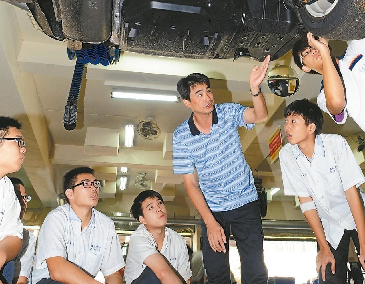 教育部推動兩年的五專展翅計畫,參與人數不如預期。 圖/聯合報系資料照片