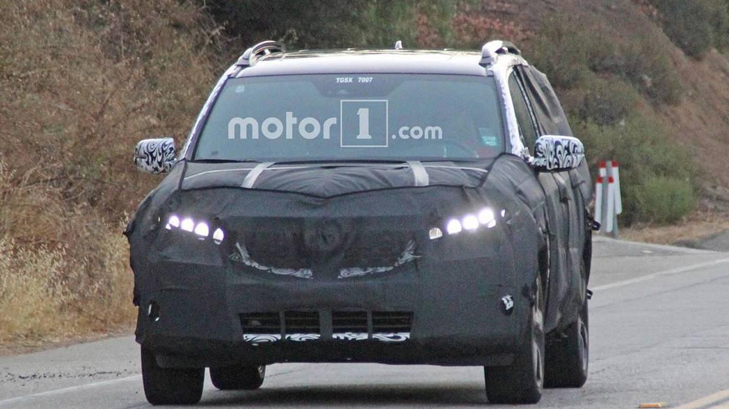 全新Honda休旅偽裝測試車。 摘自Motor 1