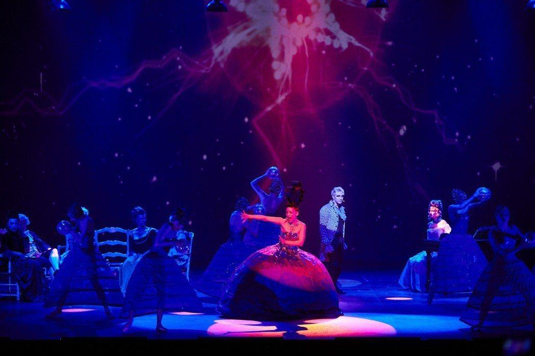 經典法文音樂劇《搖滾莫札特》將在十月十一日首度來台演出。 主辦單位聯合數...