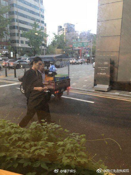 網友近日在路上巧遇金宇彬。圖/摘自微博
