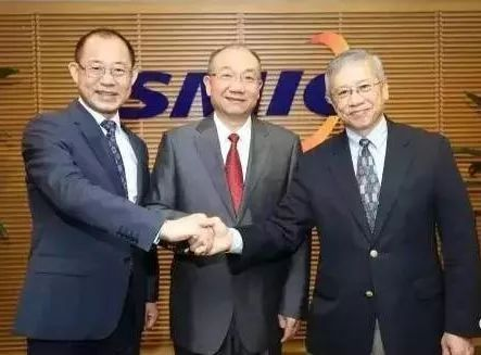 中芯國際聯席CEO趙海軍(左)、聯席CEO梁孟松(右)。取自中國電子報