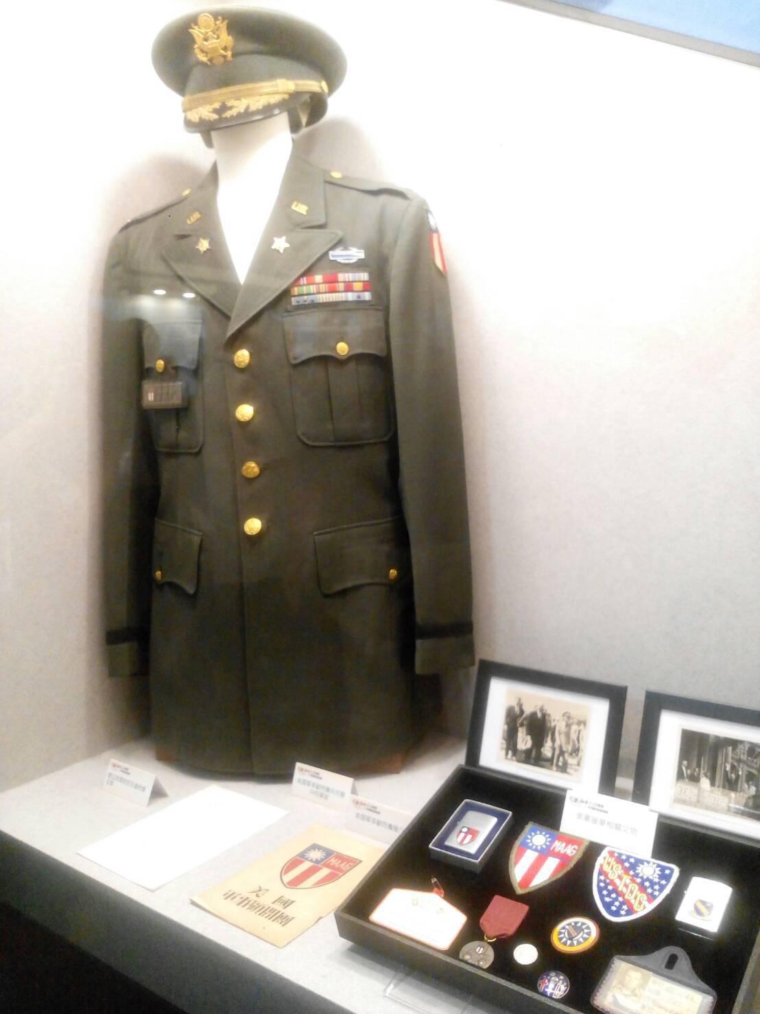 國防部在三軍軍官俱樂部勝利廳舉行的「珍愛和平─823戰役60周年紀念特展」,會場...
